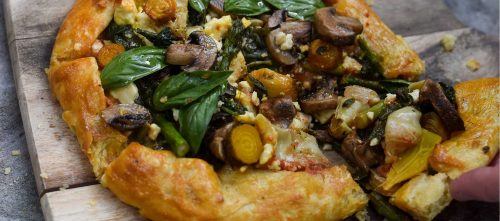 Vegetable galette with mushrooms.
