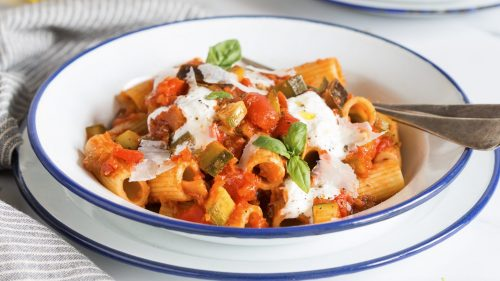 Rigatoni with vegetables and stracciatella