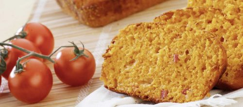 Salty plumcake with Mutti double concentrated tomato paste